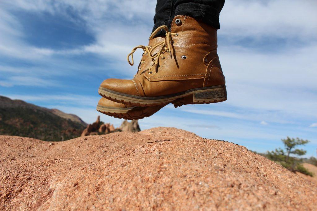 feet, boots, jump-767045.jpg