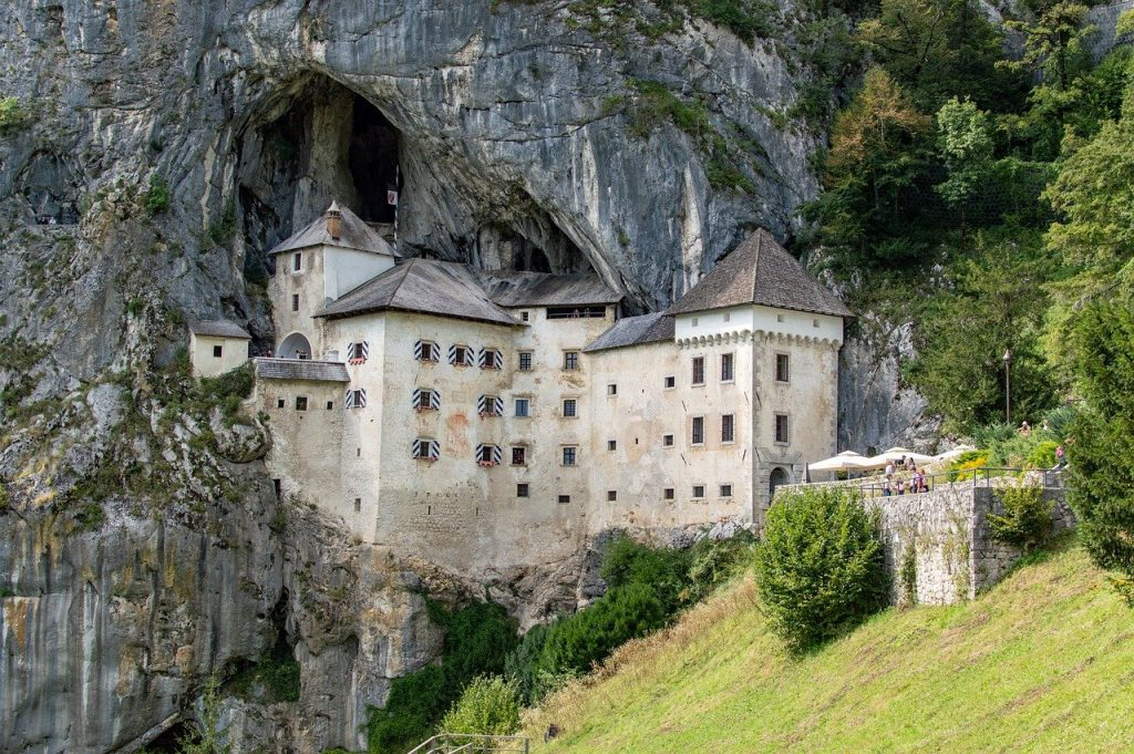 mountain, architecture, castle-5633373.jpg